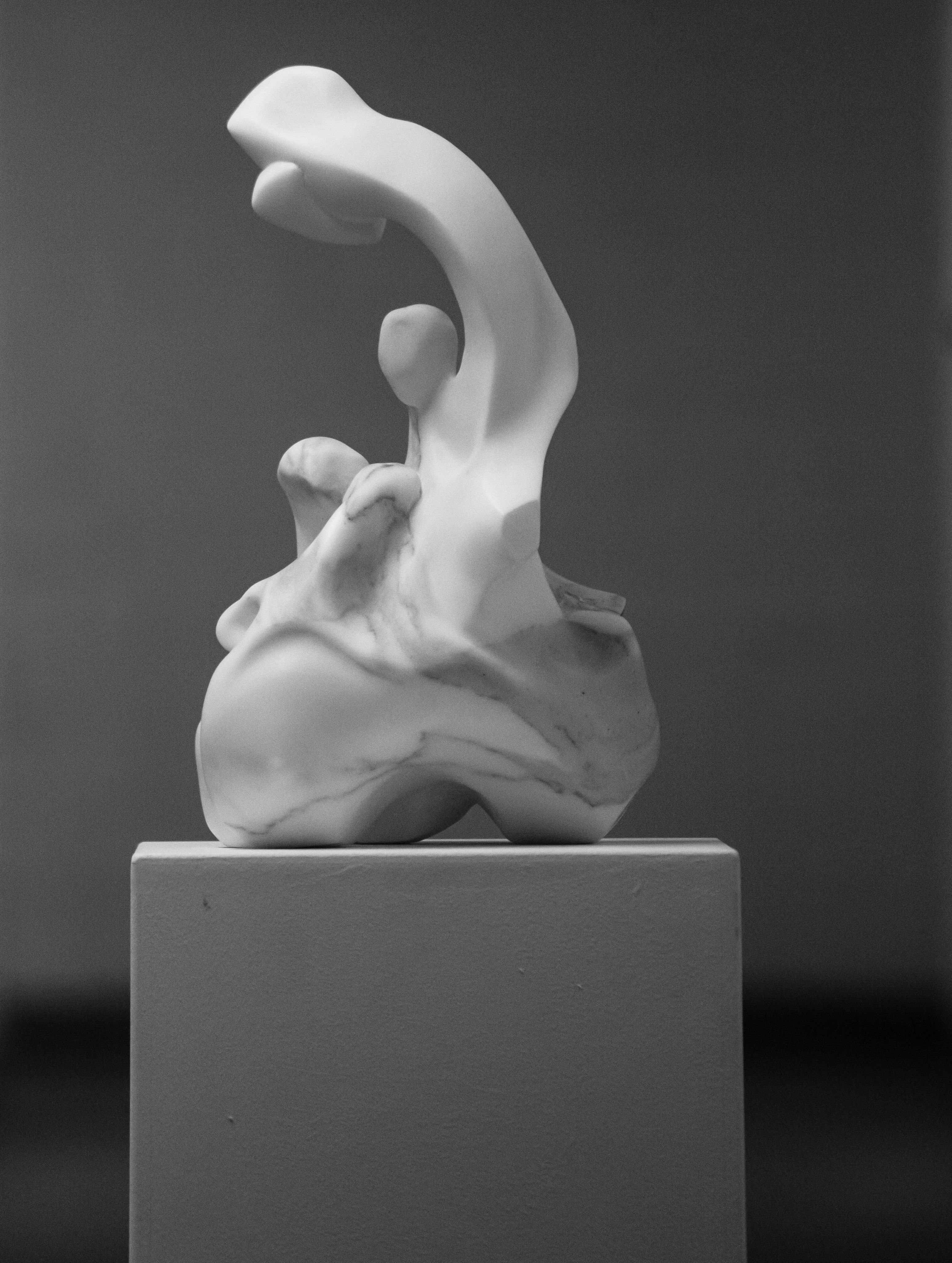 Marble sculpture of Hanna Gigling 07