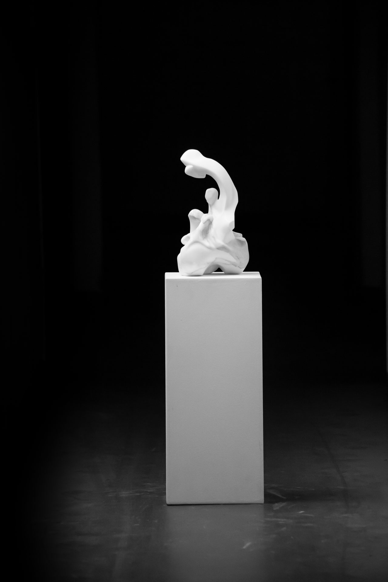 Marble sculpture of Hanna Gigling 09
