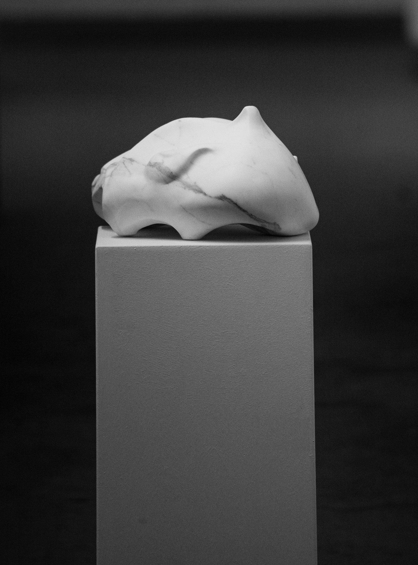 Marble sculpture of Hanna Gigling 19
