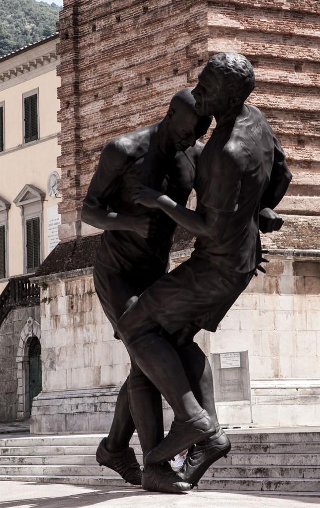 Pietrasanta Skulptur - Piazza dell Duomo 03