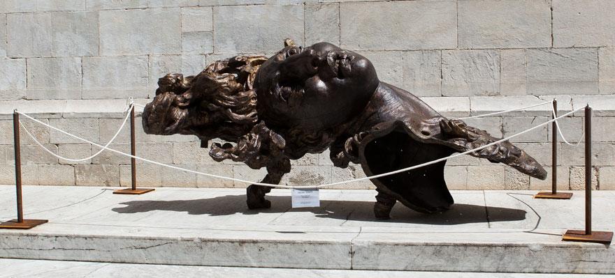 Pietrasanta Skulptur - Piazza dell Duomo 04