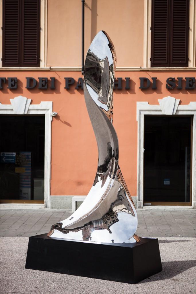 Pietrasanta Skulptur - Piazza dell Duomo 02