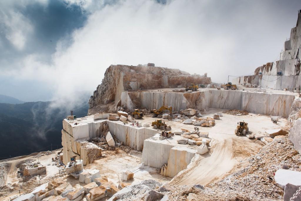 Fantiscritti_cave_mountain3