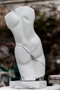"""Ansicht 2: Marmorskulptur """"Fabiola"""""""