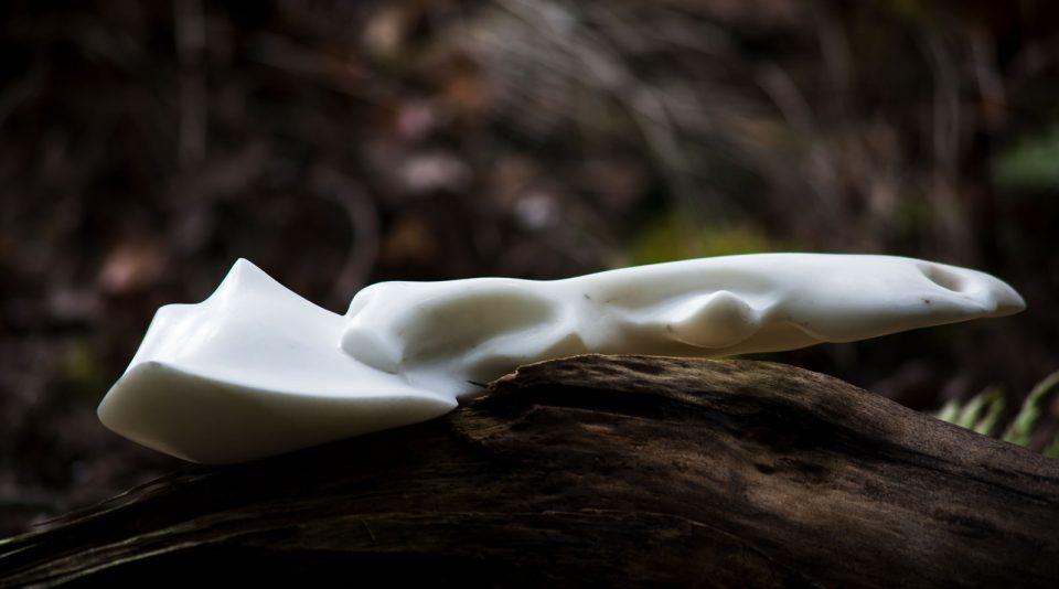 Marmor Skulptur auf Holz